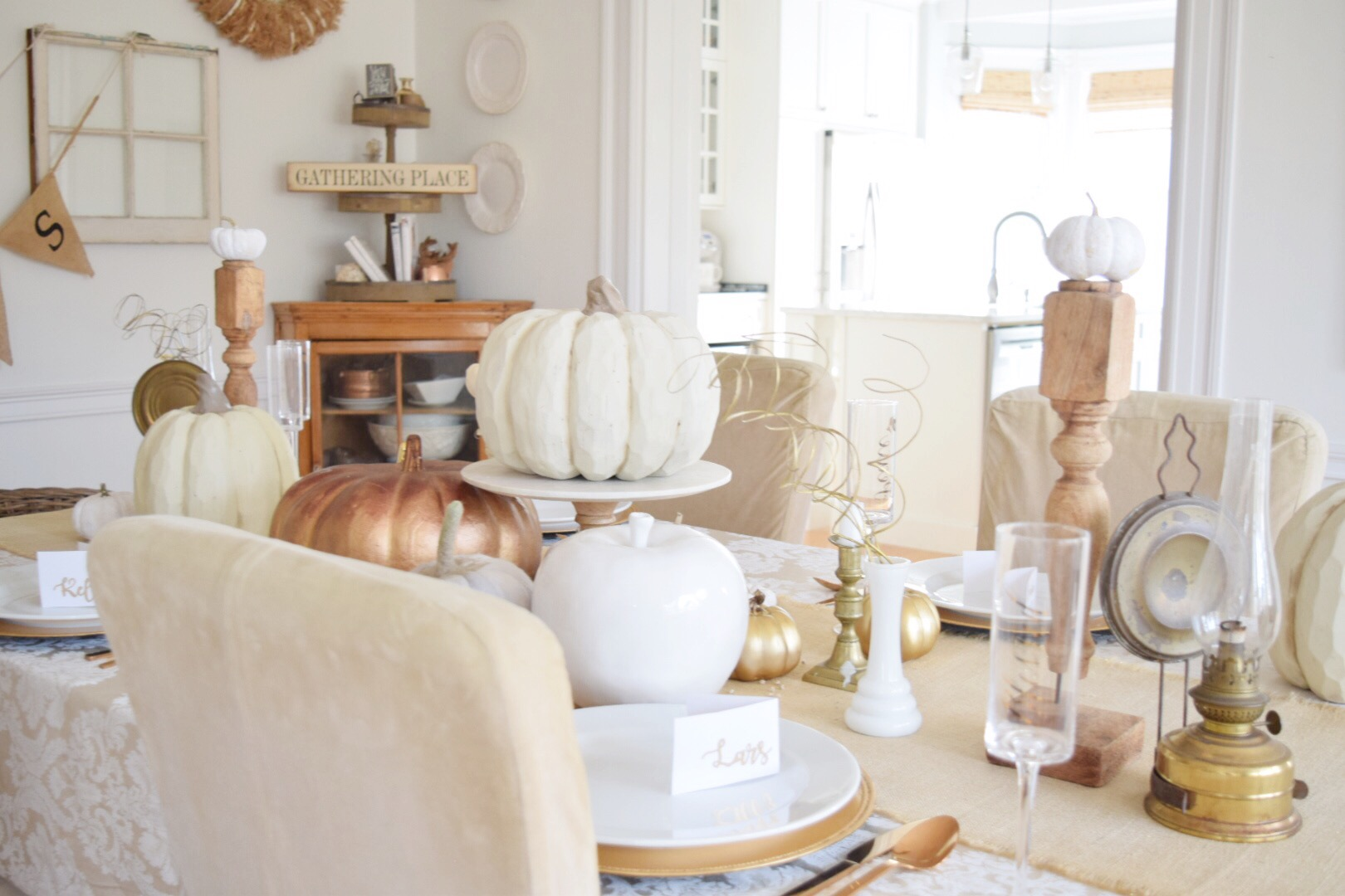 How to set a Beautiful Thanksgiving Table